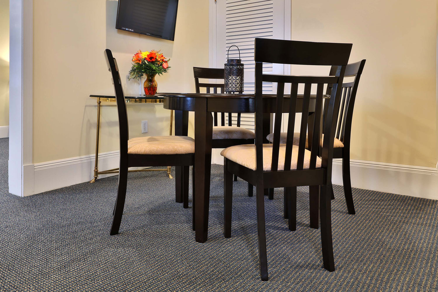 Funeral home family meeting area design.