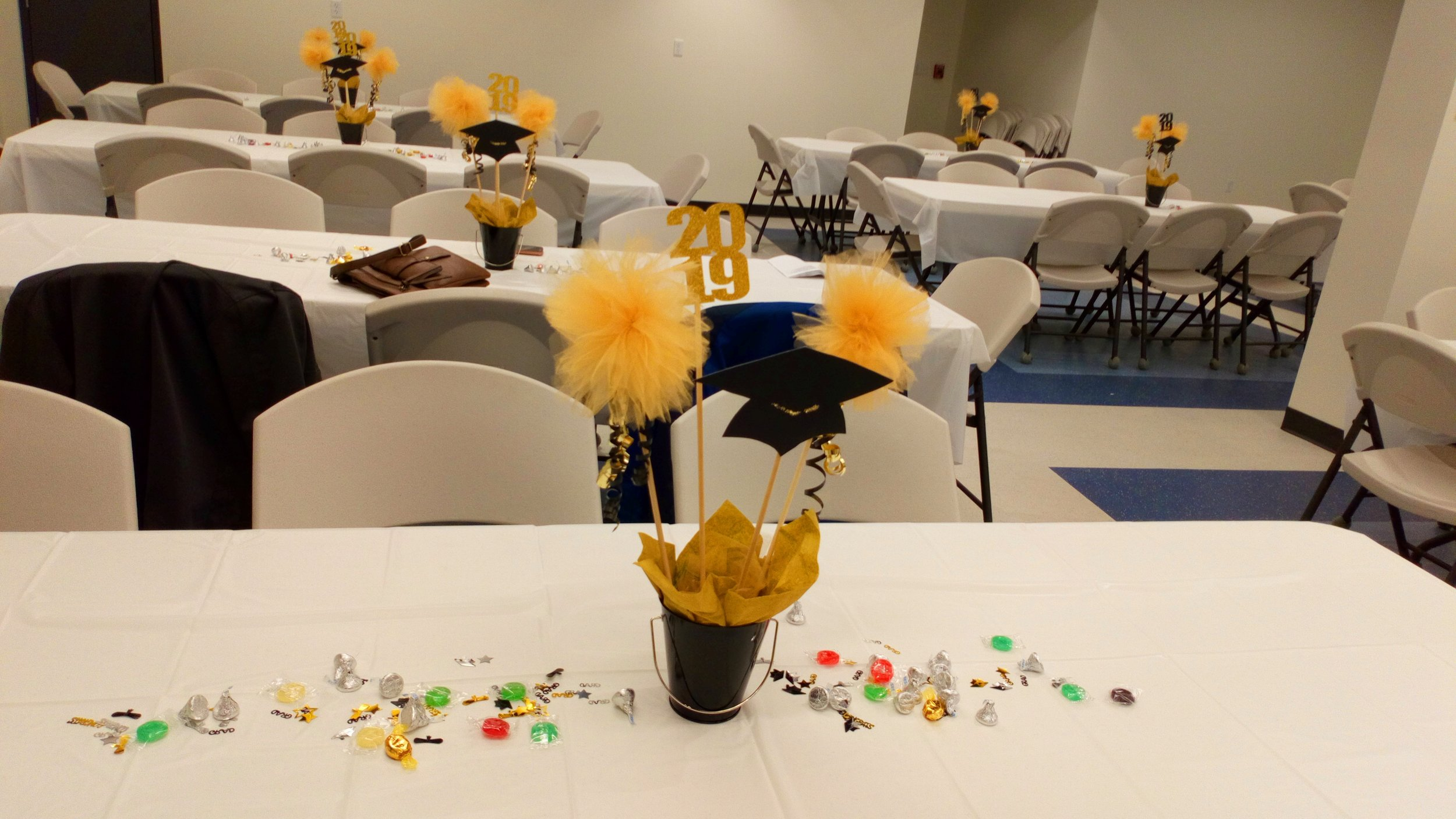 Graduate luncheon decor .JPG