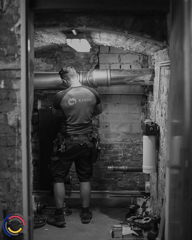 Großbaustelle in Friedrichshain: unsere Jungs haben Brennwertkessel, Speicher und Verrohrungen erneuert. Jetzt läuft alles wieder. #wirbeikronegt #teamkronegt #kronegt
