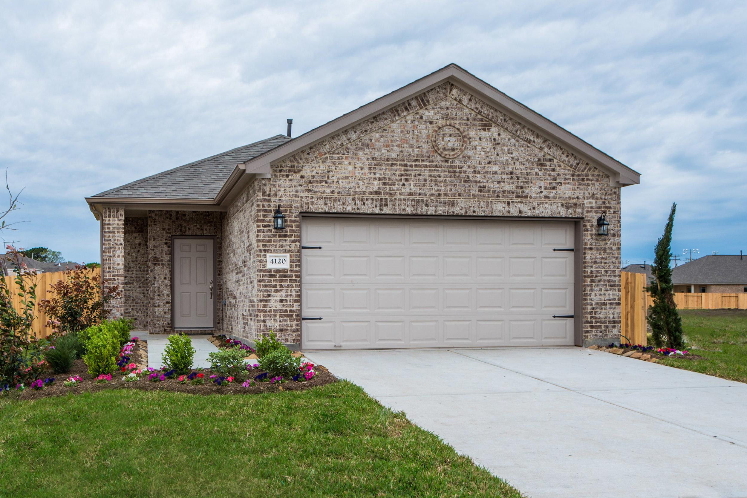 Bayou Maison - 4120 East Bayou Maison CirDickinson, TX, 77539