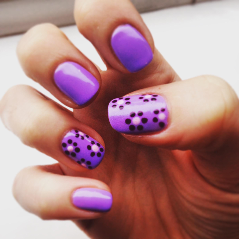 Sugar High with daisy nail art