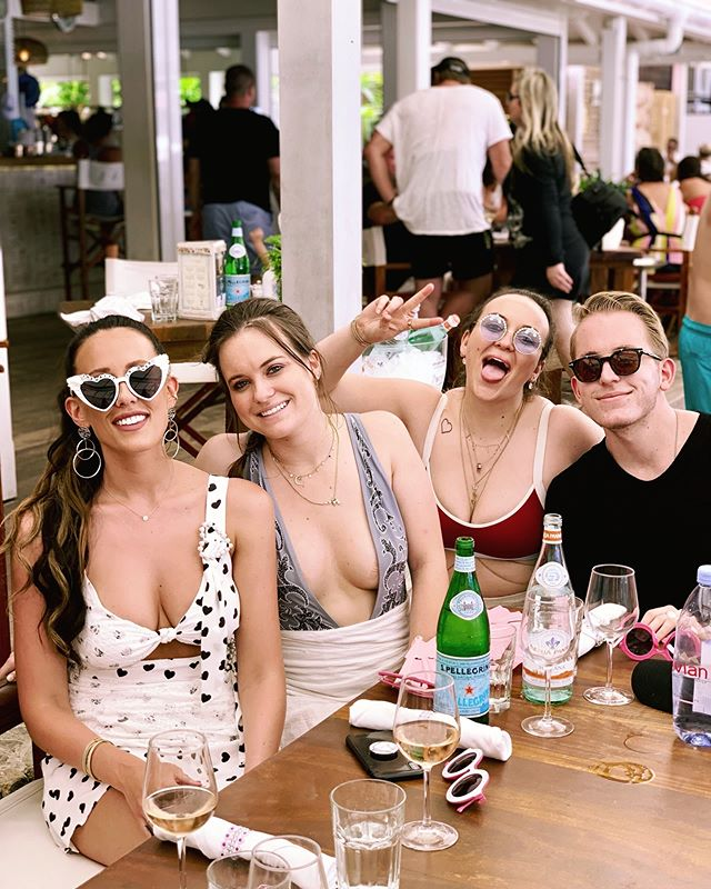 So thankful to have the most amazing siblings in the entire world who planned and executed the most insanely extra, tequila infused, WEEKLONG bachelorette extravaganza in St. Barth. My liver and I will never recover 😝 ⠀⠀⠀⠀⠀⠀⠀⠀⠀ ⠀⠀⠀⠀⠀⠀⠀⠀⠀ Shoutout to everyone who was forced to watch 15 people post annoying instastories all day every day. Wish I could say I was sorry but I'm currently incapable of feeling anything other than absolute exhaustion. Also, wish I could tell you that the posting will finally stop, but then I'd be lying 😂