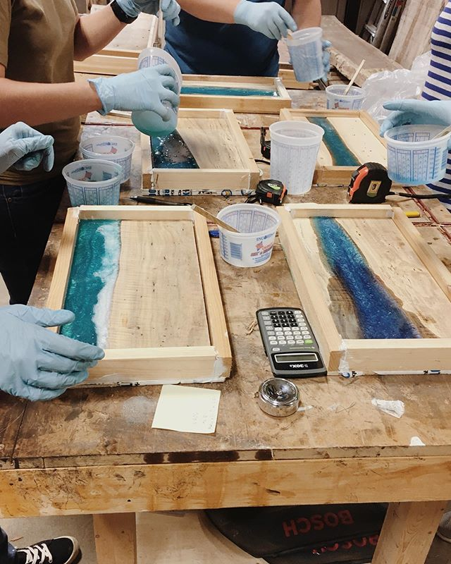 Part 1 of our epoxy resin pour class was last night! So cool. Part 2 is next week, can't wait to see the finished products! (And with so many interested in this class, we'll be doing another one this summer or early fall 👍🏼) . . . . #epoxyresin #resinpour #cuttingboard #diy #handmade #makersgonnamake #makerspace #epoxywood