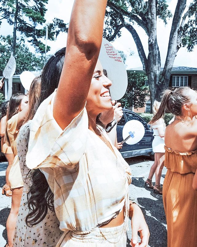 Bid day, best day! Check out @ufpanhellenic on how to register for recruitment & find your way home 🌈✨