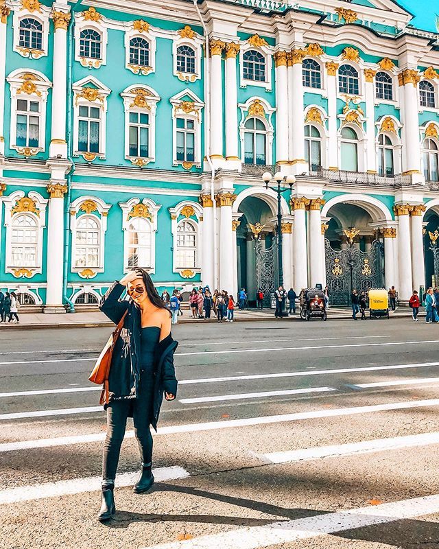 Strolling the streets of Russia 📍✨ #AXOEndlessSummer