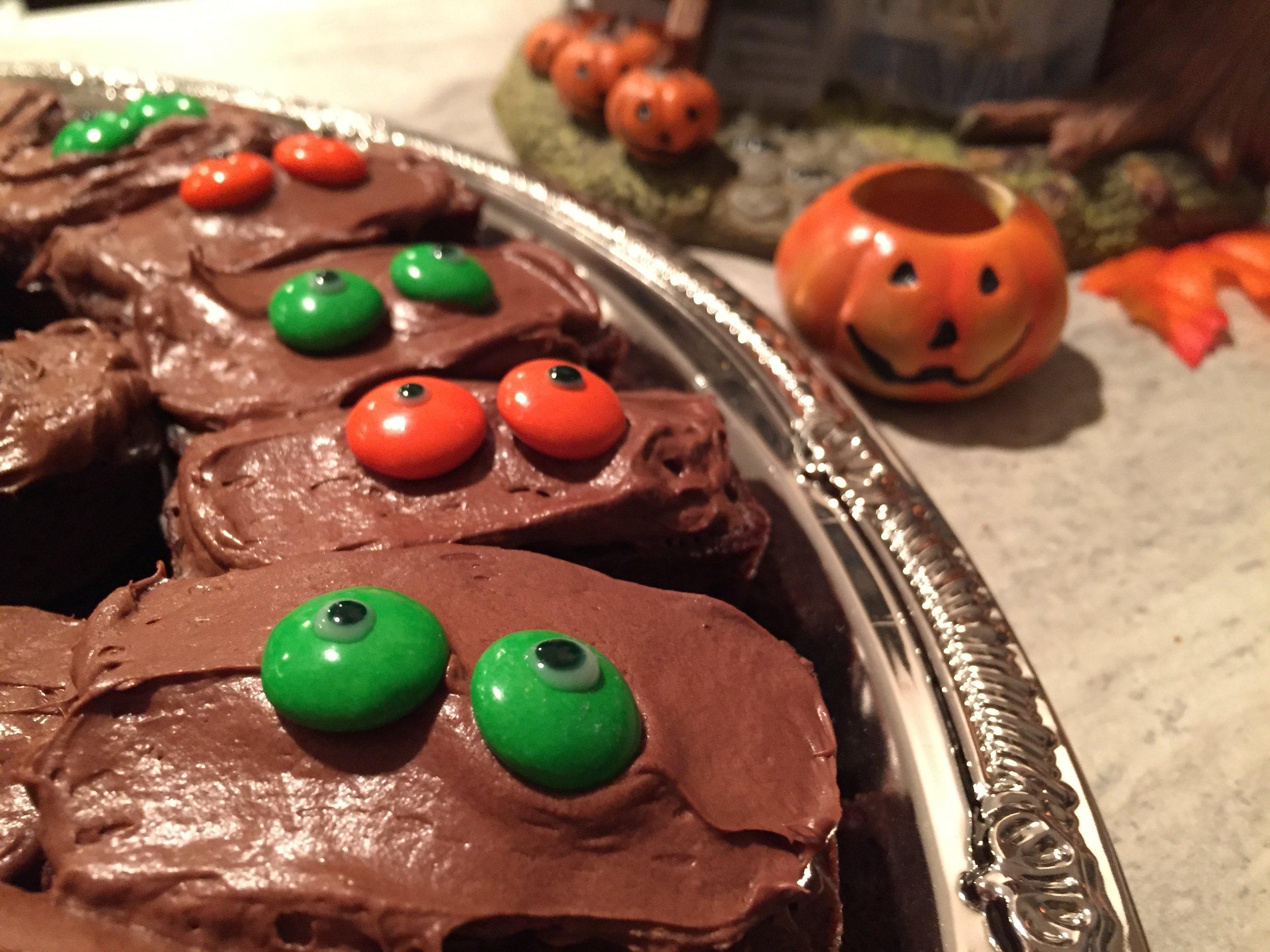 October Favorites, Monthly Favorites, Fall Favorites, Fall, Fall Leaves, Halloween, Baking, Epicure, Pinterest, Kiehl's, Kiehl's Eye Treatment, Outlander Series, Outlander Season 1, Ipsy, Scarves, Fashion Accessories,
