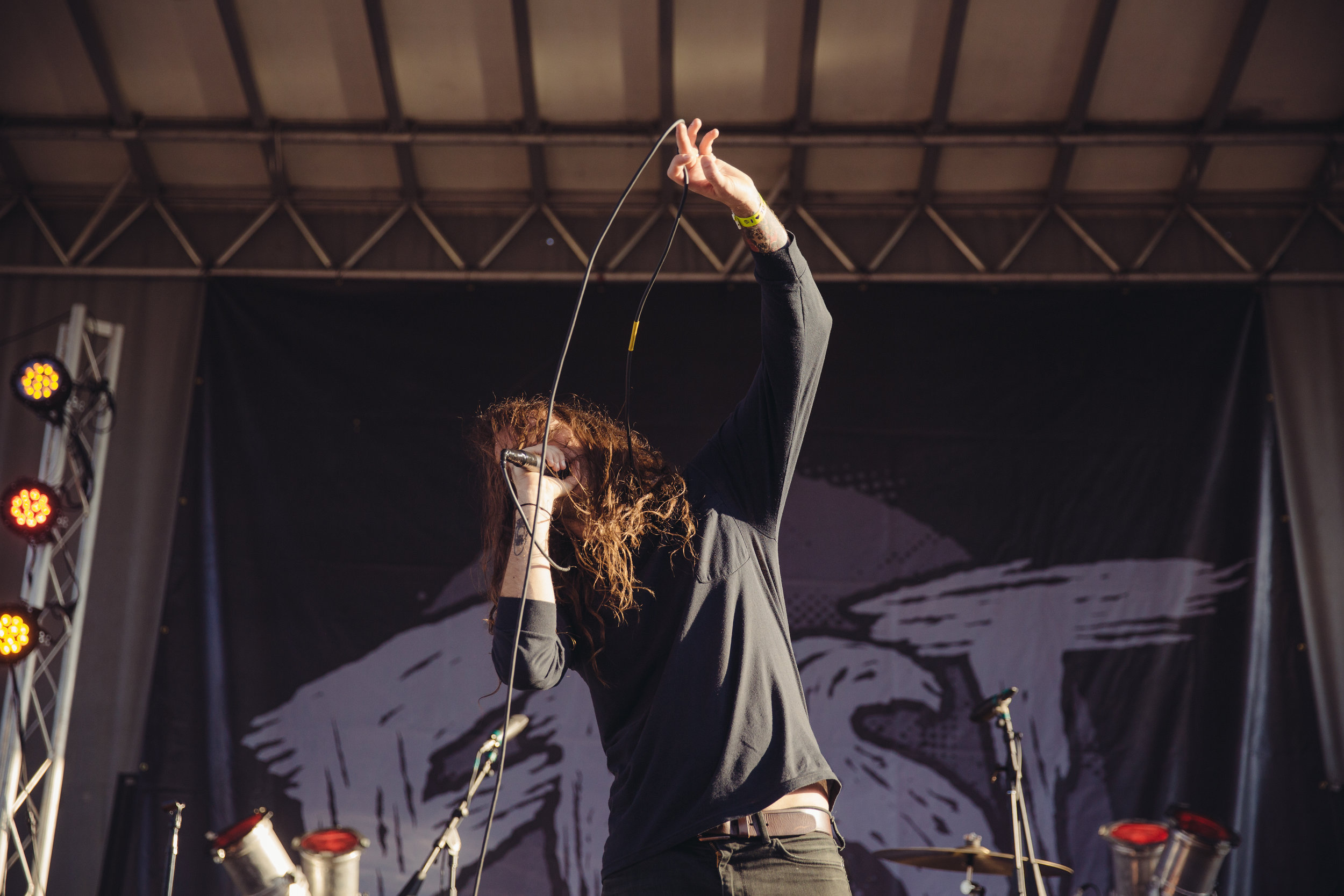pianos-become-the-teeth---fest-14_22659677893_o.jpg