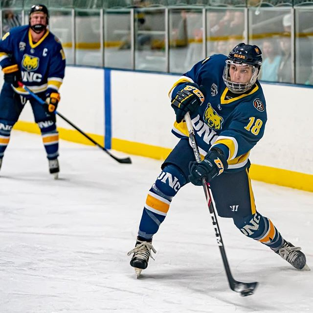 A few more from UNC vs WYO . . #greeley #coloradosportsphotographer #greeleysports #uncsports #ryanscontent #hockey #collegehockey #laramieiceandeventscenter #laramiehockey #hockeyunc #uncbears