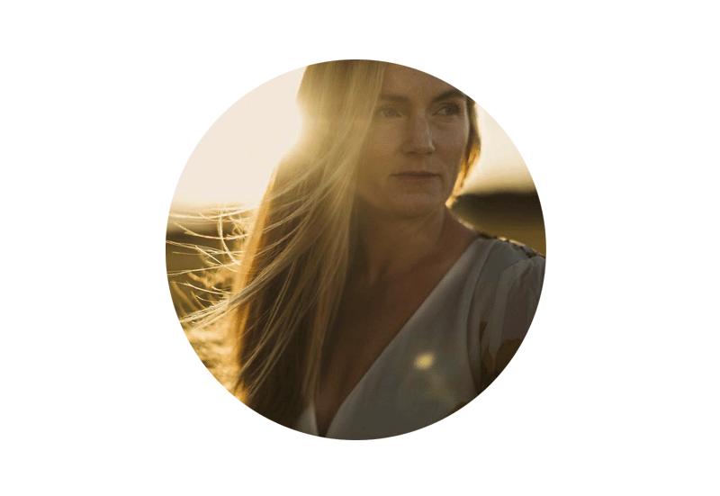 That is some deep s***! - Die Arbeit mit Elke hat seit Jahren feststeckende Energie in wenigen Minuten verändert! Das ist der Game Changer für mein Business.— Becky Keen, Soul & Business Coach
