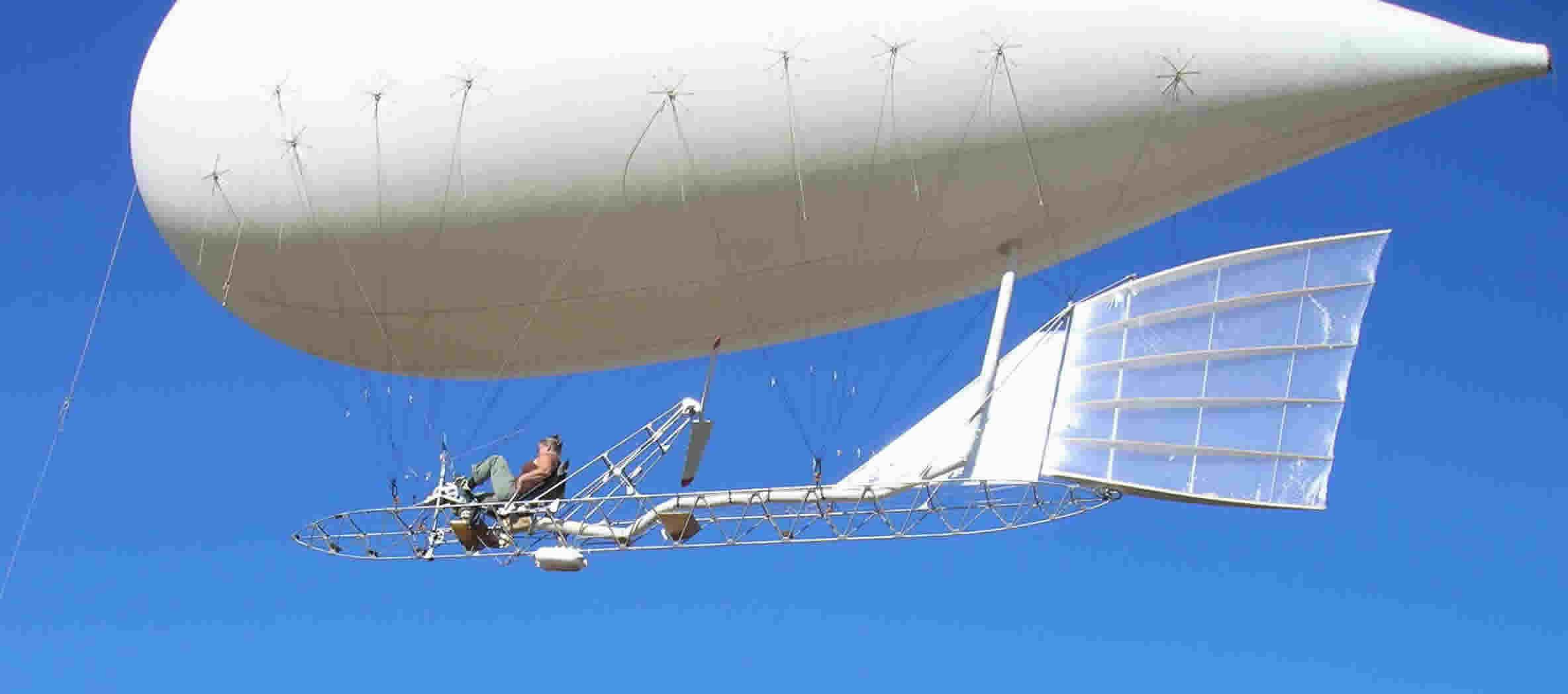 DD-flying blimp.jpg