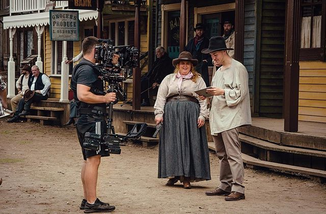 The fabulous @thedonnapreston tooling up for the shootout! 🤠🎥 YEEHA!