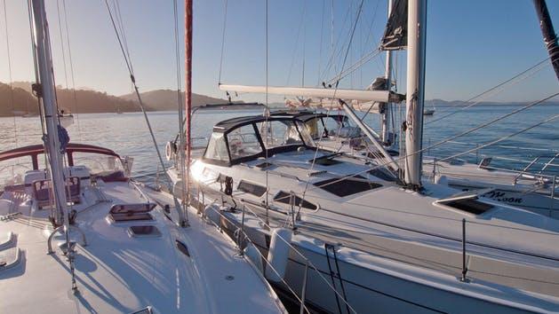 Bareboat-Chartering.jpg