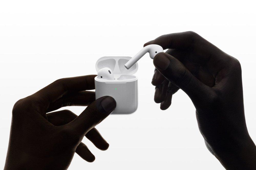 Apple-Airpods.jpeg