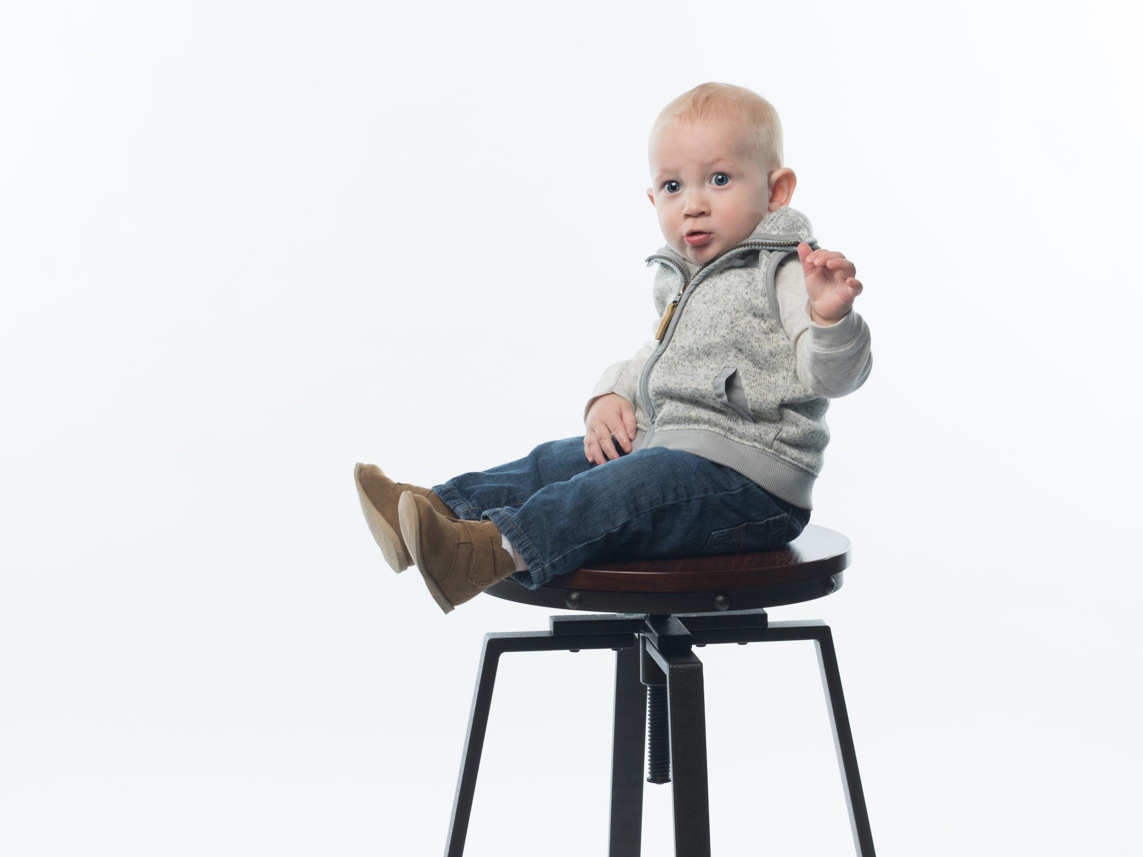 baby-boy-chair-961181.jpg