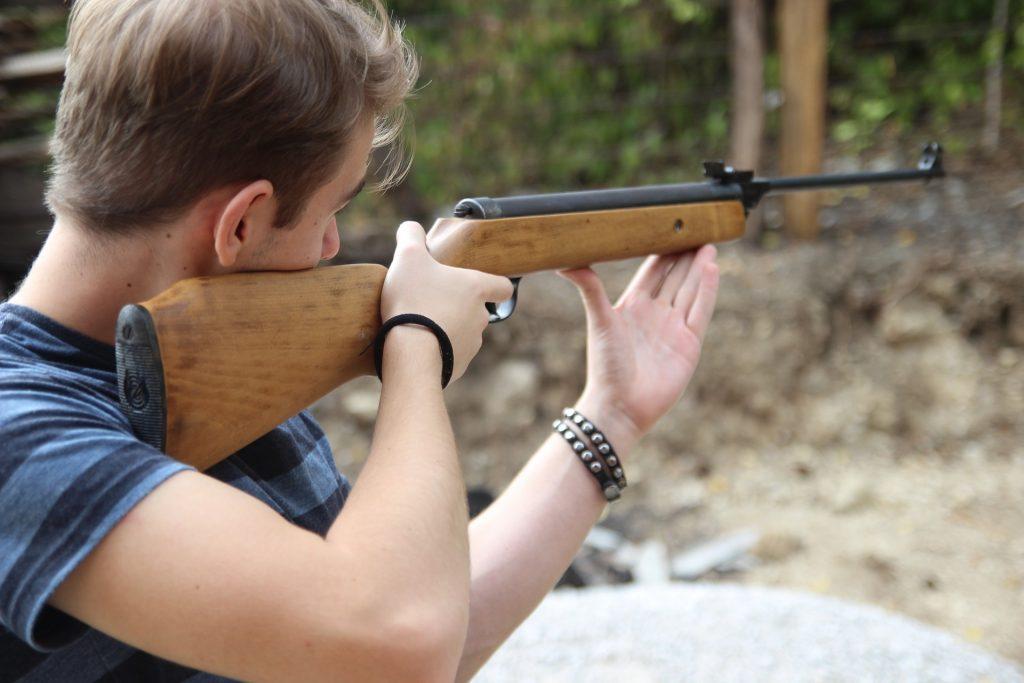 shooting-2710039_1920-1.jpg