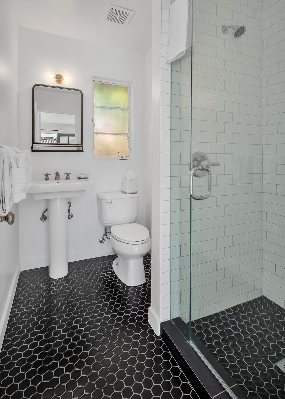 Roma Bathroom.jpg