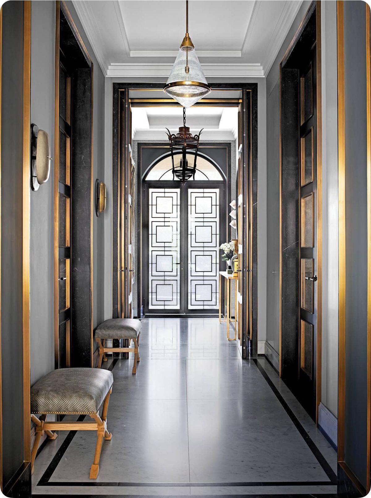 Beautiful breathtaking entryway ,a true show stopper