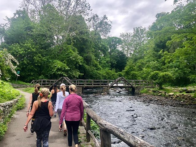 Taking steps toward a better you.. A great group walk and talk with Dr Alyssa Dweck. Contact us for Info on upcoming walks. We offer both individual and group walks. See link in bio. #walkandtalktherapy#mindfulness#mentalhealthawareness#freshairstrides