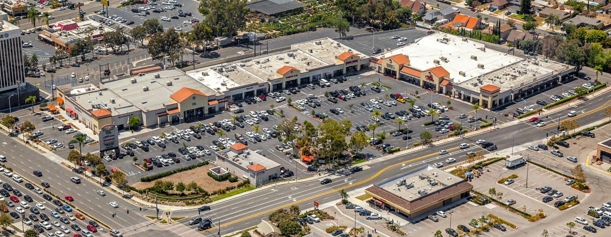Lake Forest Marketplace - OM - 10-16-7-aerial_9x3.5.jpg