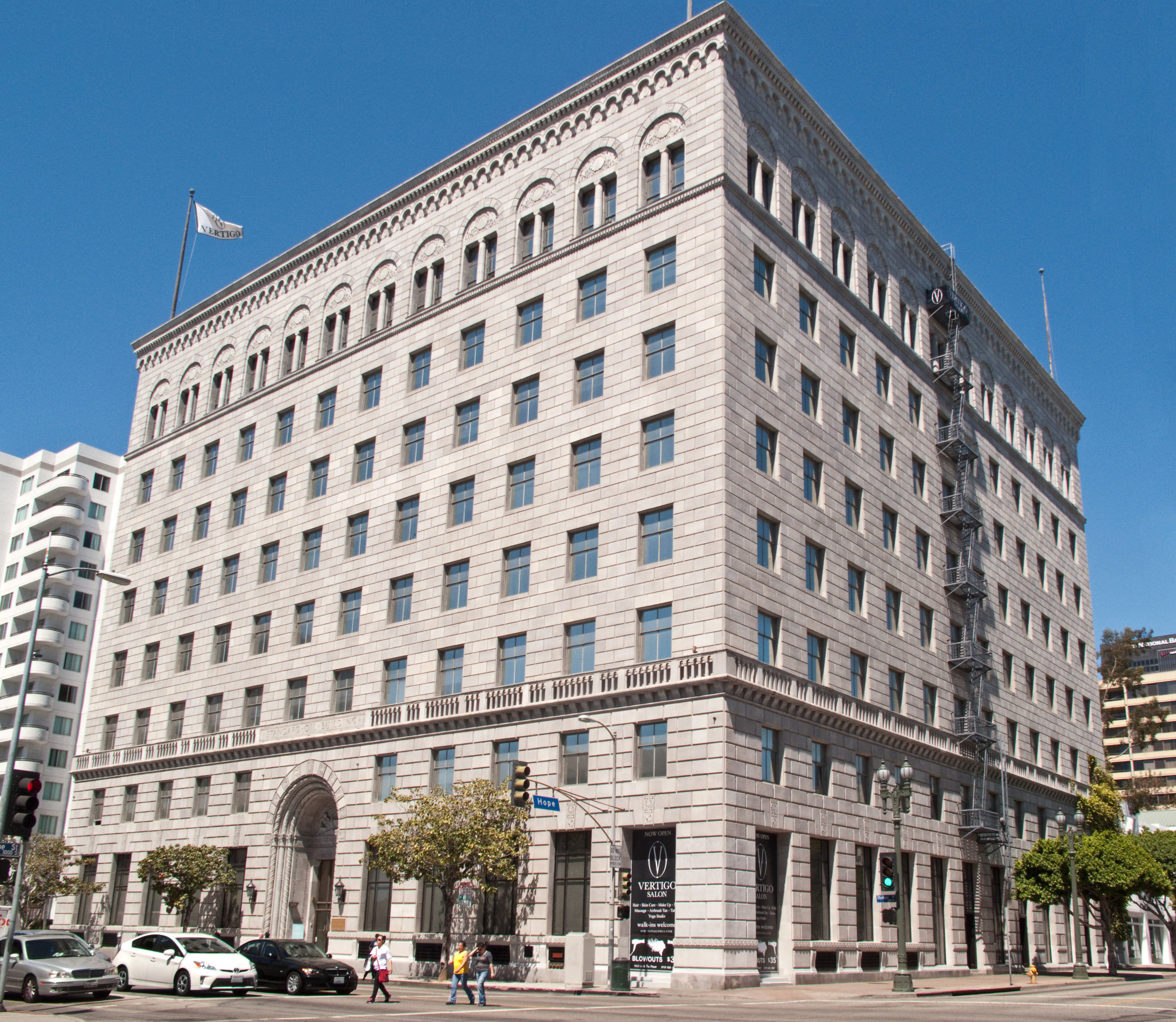 Standard_Oil_Company_Building,_Los_Angeles.jpg