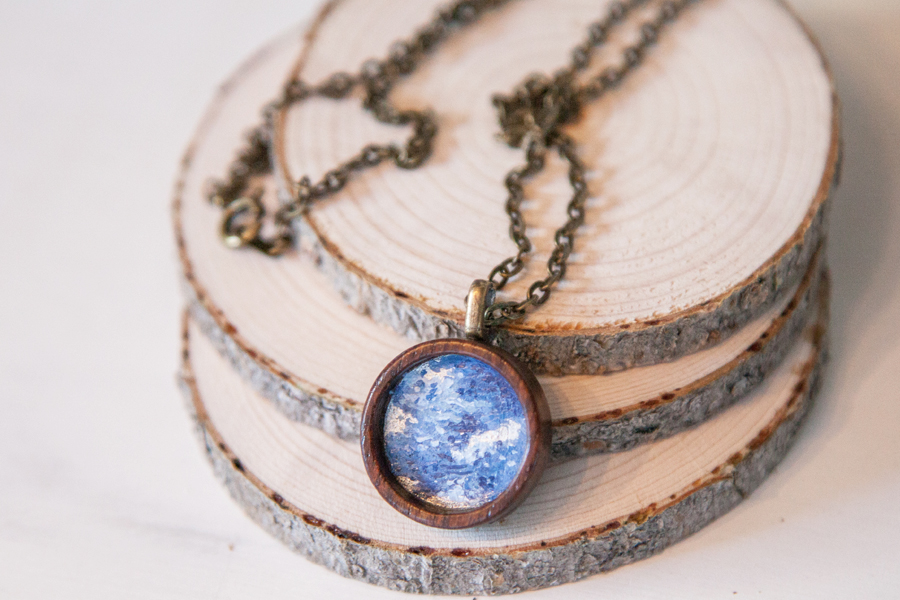 blue-wood-pendant.jpg