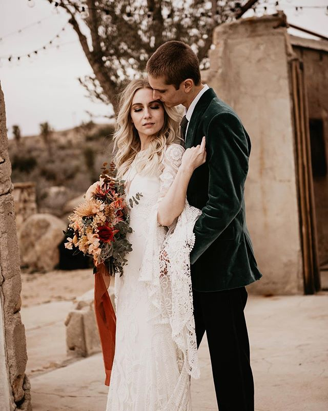 """You wear white and I'll wear out the words I love you and you're beautiful.""💕 . Ps Happy Valentines Day my loves! . . . . . @the_experience_workshop @wilder.events.co @shindigchic @lovelybride @lovelybridela @theblacktux @theboothandbusco @sharonzjewelry @sigpartyrentals @frostitcakery @sandelindesigns #haleydouglasphotography #photography #travelingphotographer #adventurephotographer #radstorytellers #muchlove_ig #photobugcommunity #dirtybootsandmessyhair #loveandwildhearts #loveauthentic #anotherwildstory #Aocportraits #discoverportrait #loveintentionally #radlovestories #adventurouslovestories #oarsandbeanies #authenticlovemag #belovedstories #wanderingphotographers #couples #justalittleloveinspo #togetherjournal #littlethingstheory #forthewildlovers #rawlovestories #wildlovepursuit #adventurousstorytellers #goldenhourlove #wildspontaneouslove @authenticlovemag @loveandwildhearts @theradinlove"