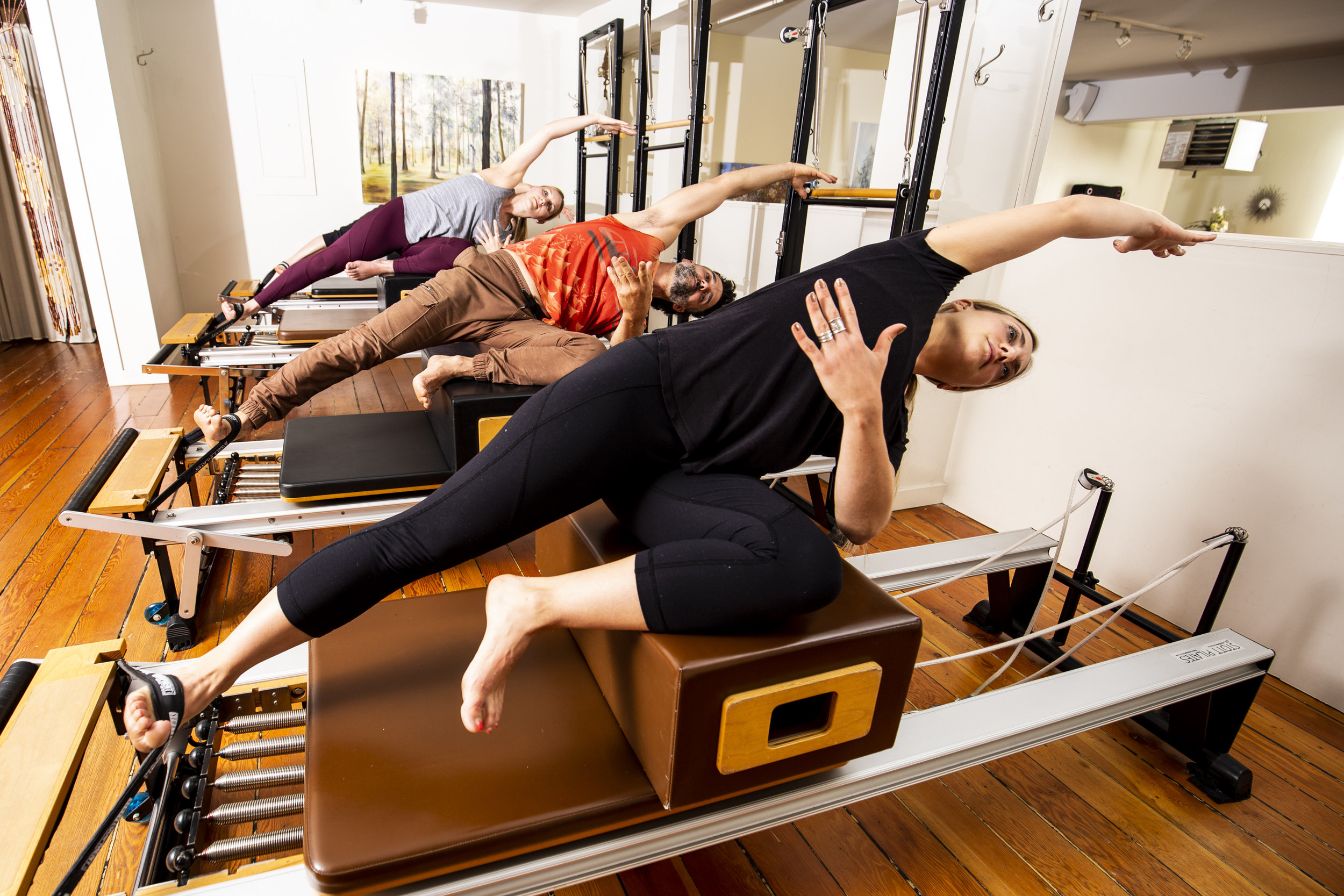 FullCircleStudio-VancouverPilates-Reformer Shot-May 2019.jpg
