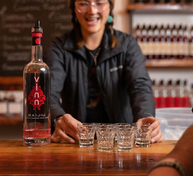 One of the best parts about Distillery row is all the local takes on spirits. What's your favorite local spirit?  Distillery Row:⠀ @newdealpdx⠀⠀ @westwardwhiskey ⠀ @wildrootsspirits⠀⠀ @eastsidedistilling⠀⠀ @rollingriverpdx⠀⠀ @vinndistillery⠀⠀ @townshendsdistillery⠀⠀ @stonebarn⠀⠀ @straightawaycocktails ⠀ @bullrundistillery⠀⠀ @ariagin⠀⠀ @freelandspirits⠀ ⠀⠀⠀⠀⠀⠀⠀⠀⠀⠀ #distilleryrowpdx #distilleryrow #craftspirits #craftcocktails #portland #pdx #pnw #northwestisbest #pdx #pexnow #downtownpdx #local #pdxlocal #pdxlocalbusiness