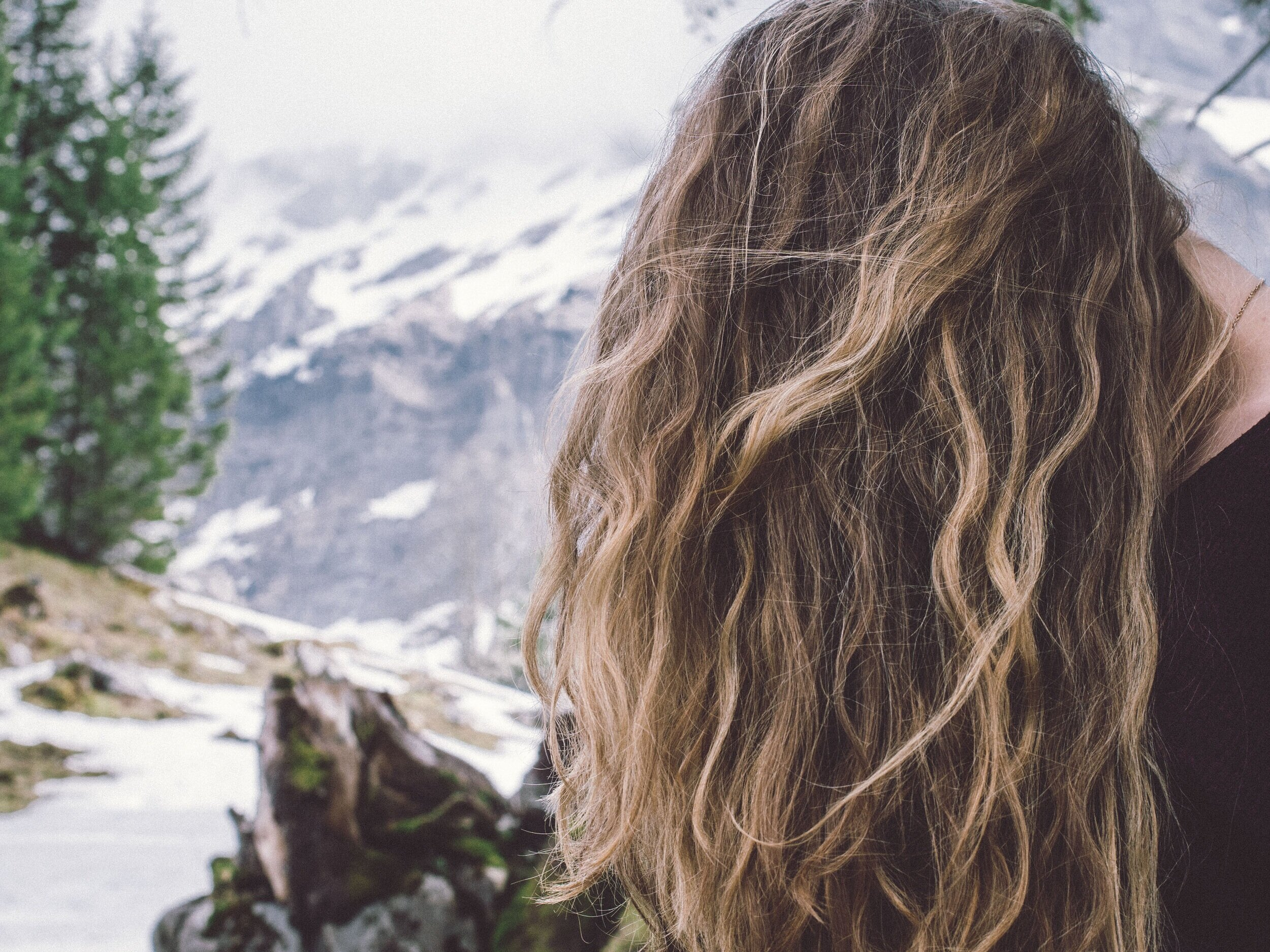 Essential oils in natural hair care -