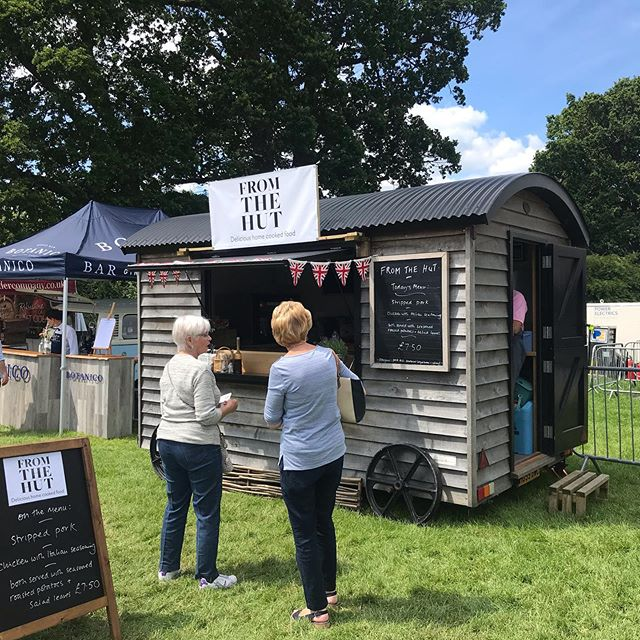 A little belated and not very insta but a beautiful day on Saturday at Longleat food & drink festival.  #mobilecatering #foodfestival #wiltshire #shepherdshut #eventcatering