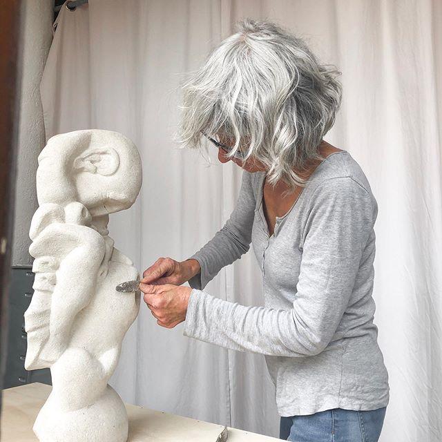 Taille de pierre  #creation #sculpture #materiaux #art #technique #oeuvre #stephaniepothier #outils
