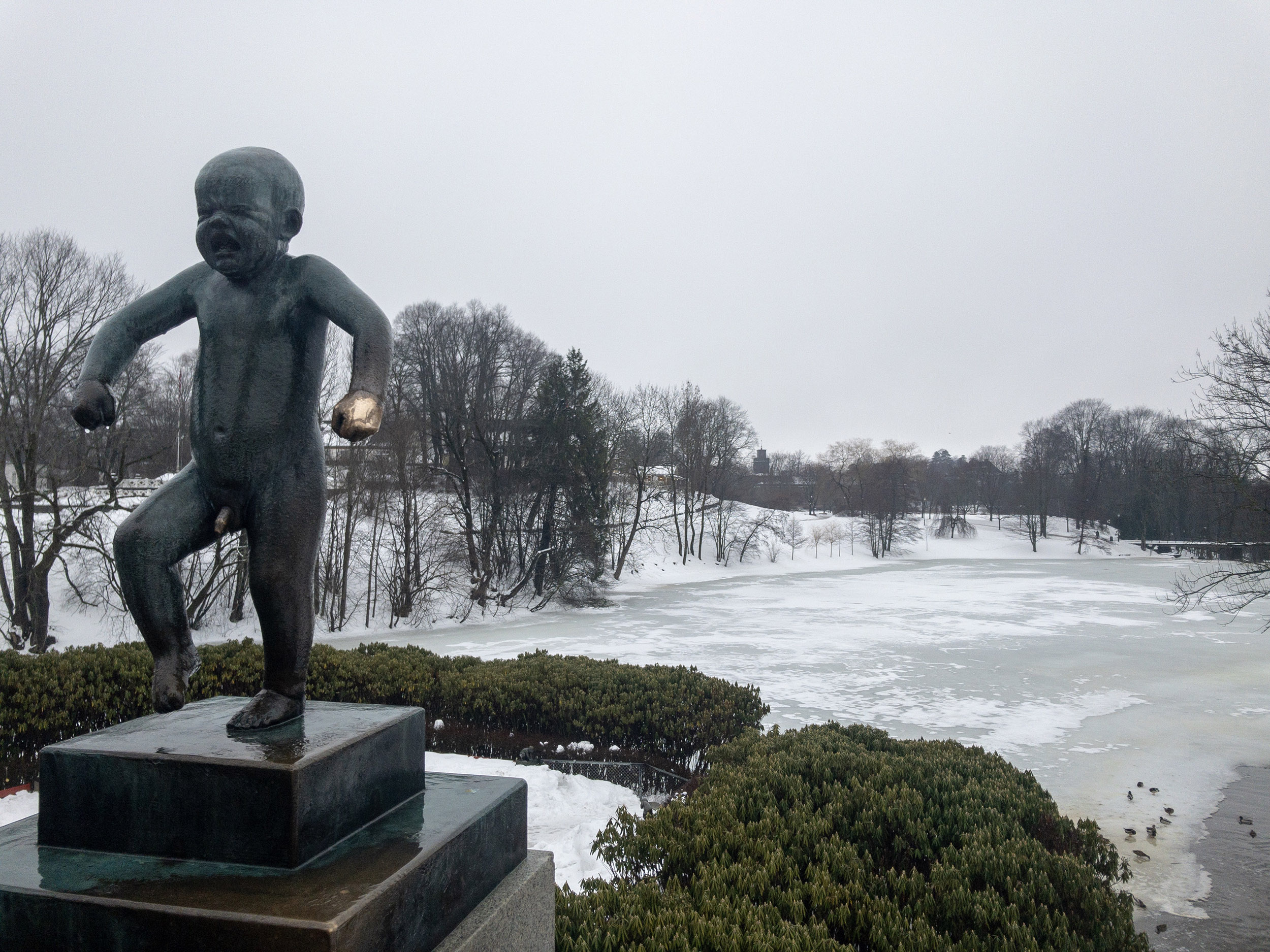 Oslo Vigeland Park baby sculpture and view.JPG