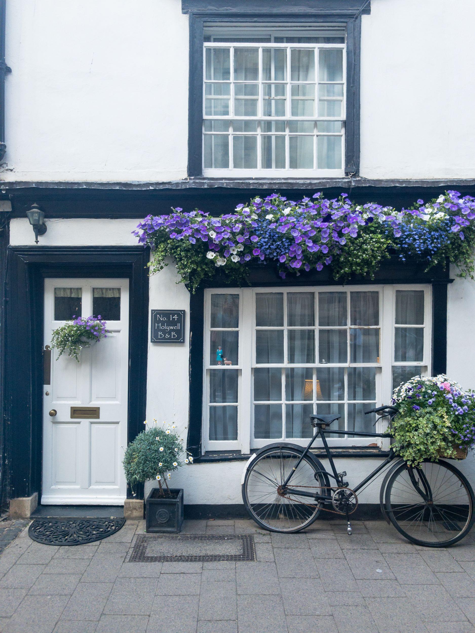 Oxford Pretty Houses Travel.jpg