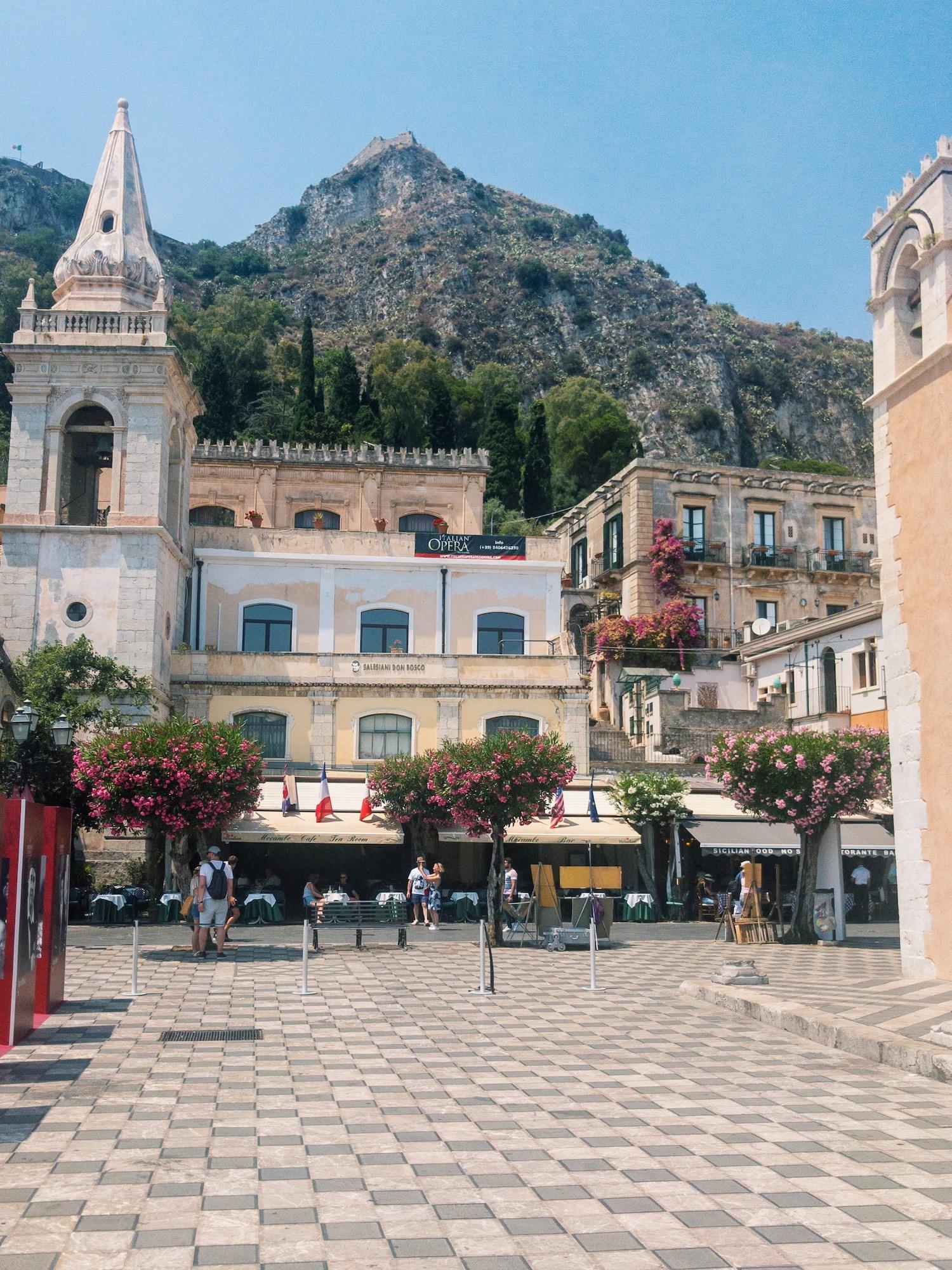 Taormina Sicily Piazza IX Aprile .JPG
