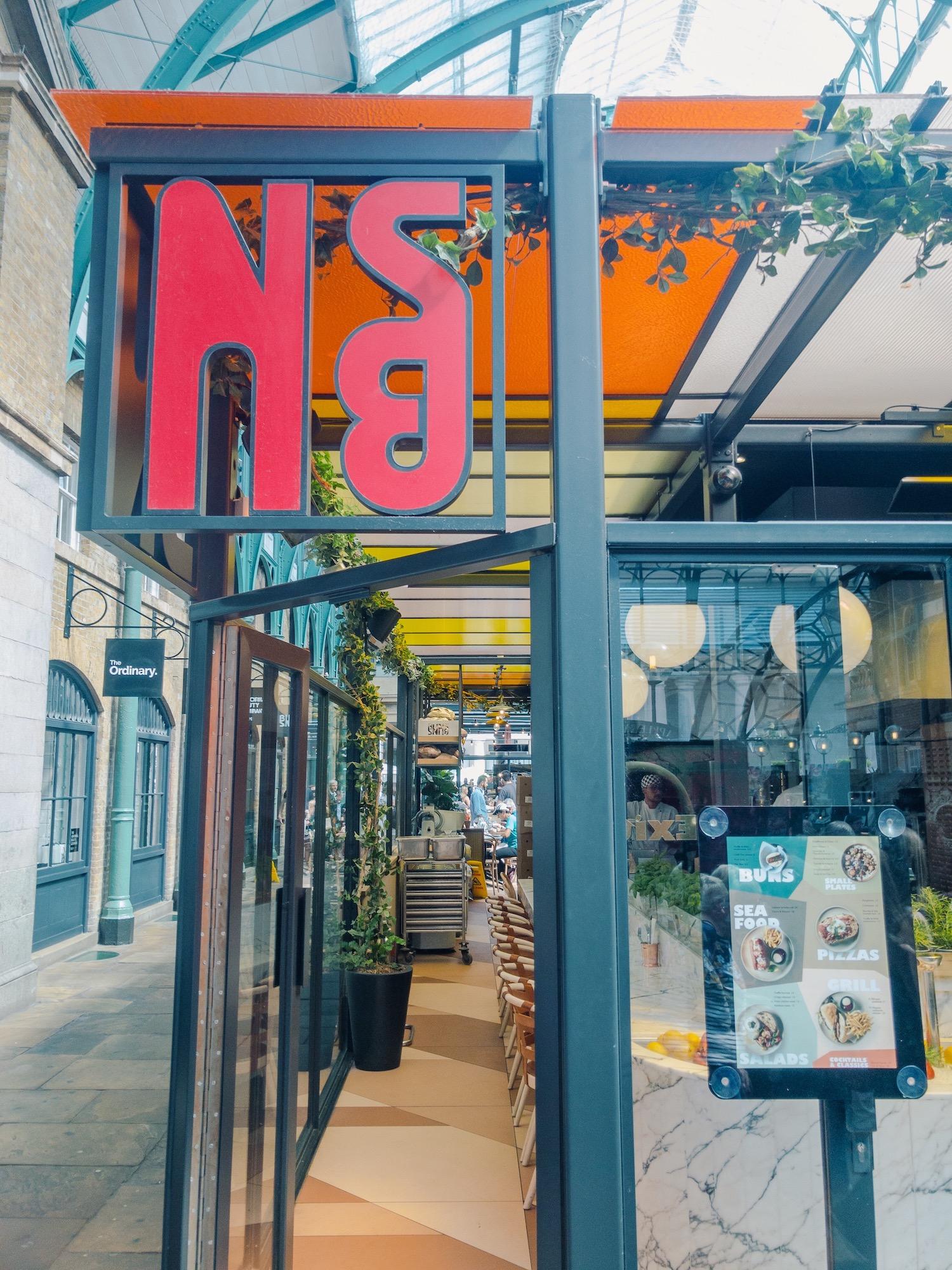 Buns & Buns Covent Garden London Entrance.JPG