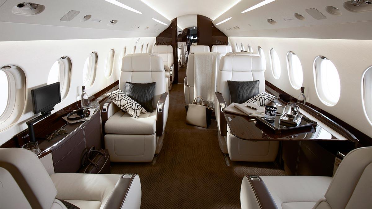 Falcon 900 interior.jpg