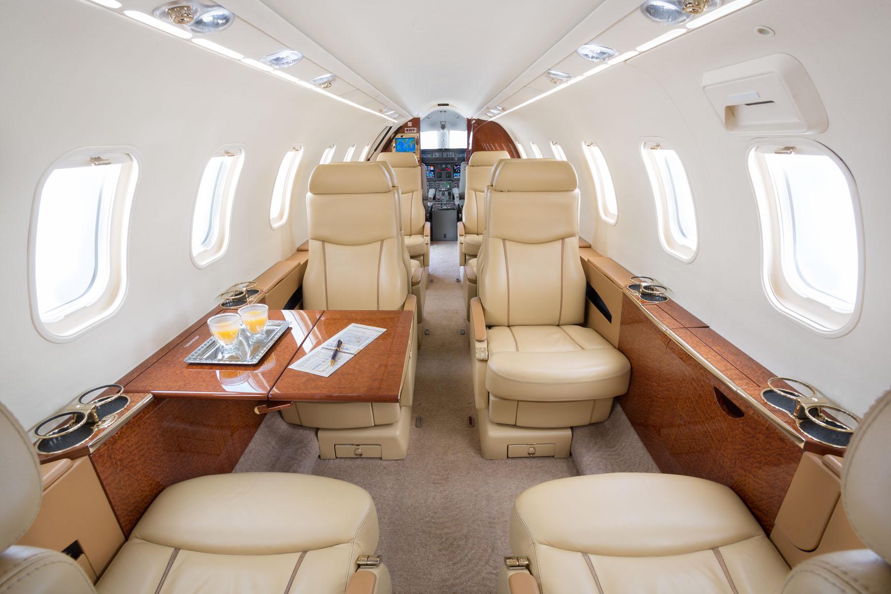 Lear 45 interior.jpg