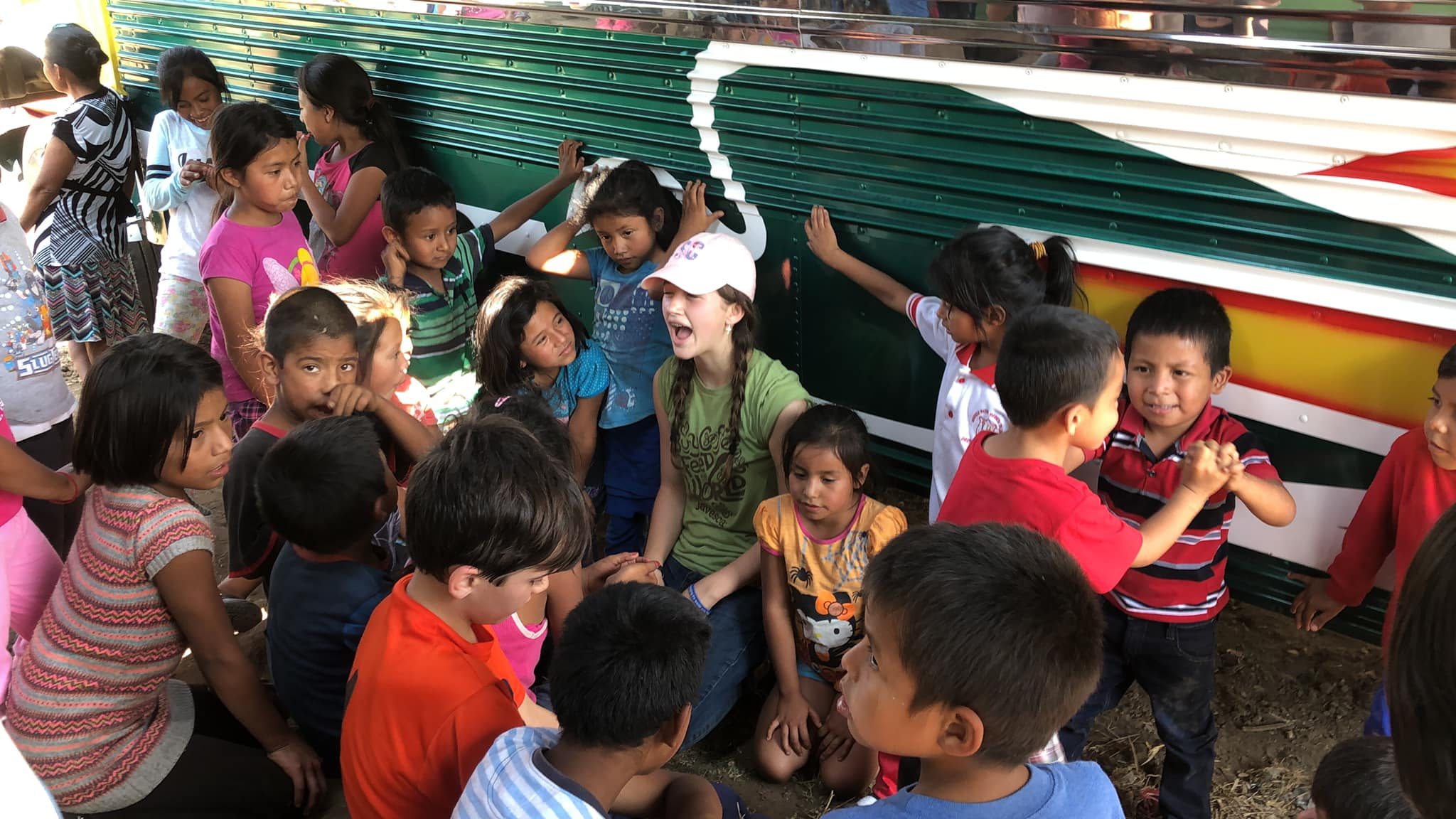 Ellie teaching the children in Jocotillo English