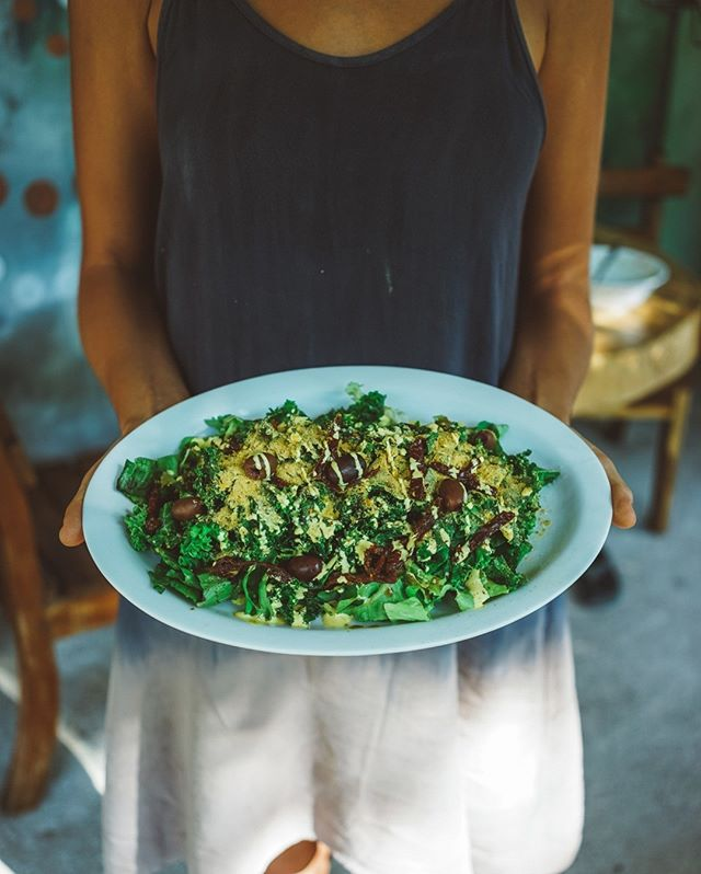 Kale Ceaser Salad, deemed the best salad in the Northern Hemisphere by many patrons from around the world. It's awesome and it's fresh right now. Eat Local.⠀⠀⠀⠀⠀⠀⠀⠀⠀ -⠀⠀⠀⠀⠀⠀⠀⠀⠀ -⠀⠀⠀⠀⠀⠀⠀⠀⠀ -⠀⠀⠀⠀⠀⠀⠀⠀⠀ #costarica #nicoya #nosara #guiones #playaguiones #vegancostarica #permaculturecostarica #plantbasedcafe #plantbased #juicebarcostarica #veganlatinamerica # localcostarica #local #organic #organiccostarica #sustainable #eatplants #playasdenosara #spreaddalove #eatmoreplants #consciouschefs #weloveeverybody #yogacostarica #surfcostarica