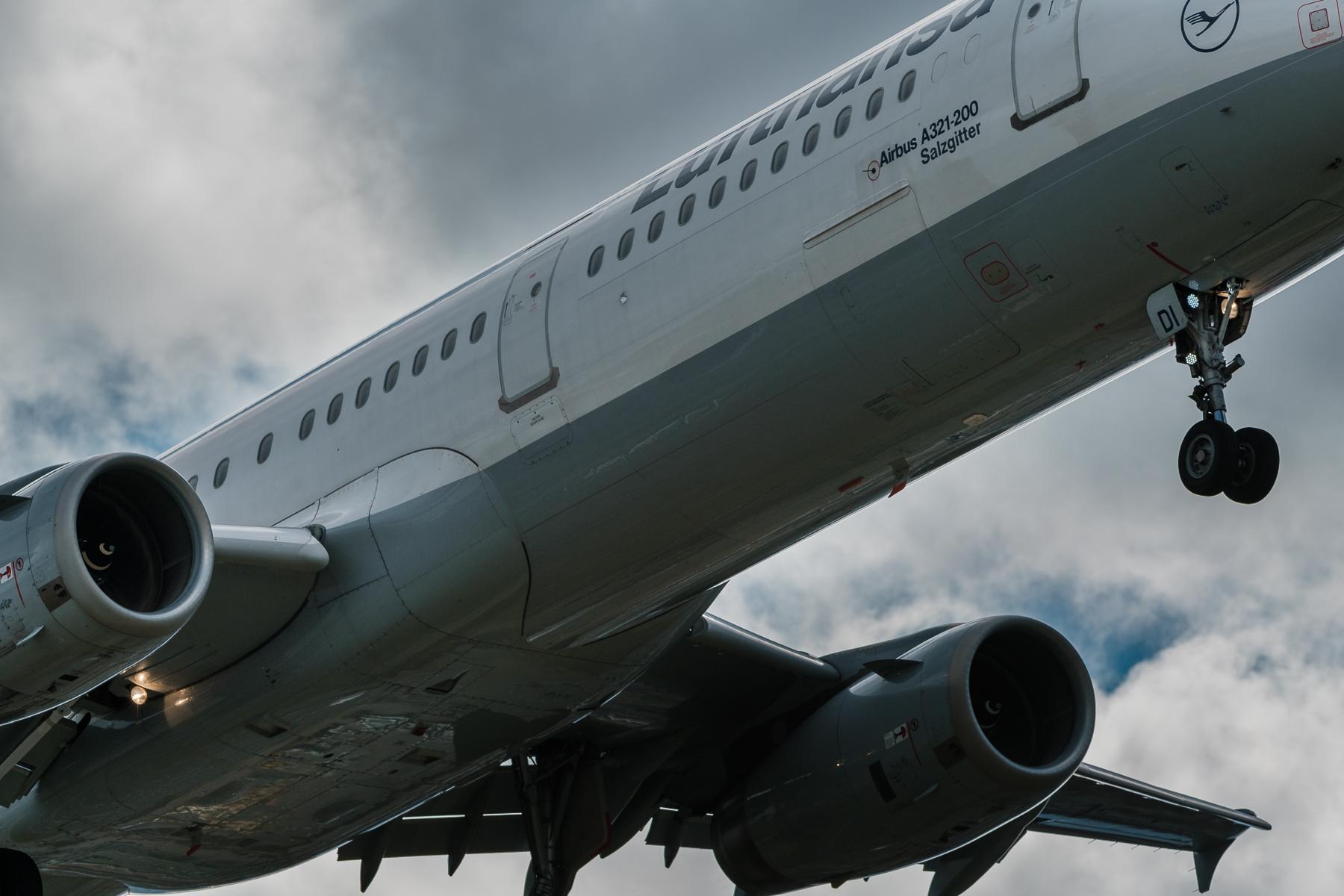 Flughafen Zürich-Kloten Landungen Runway 28