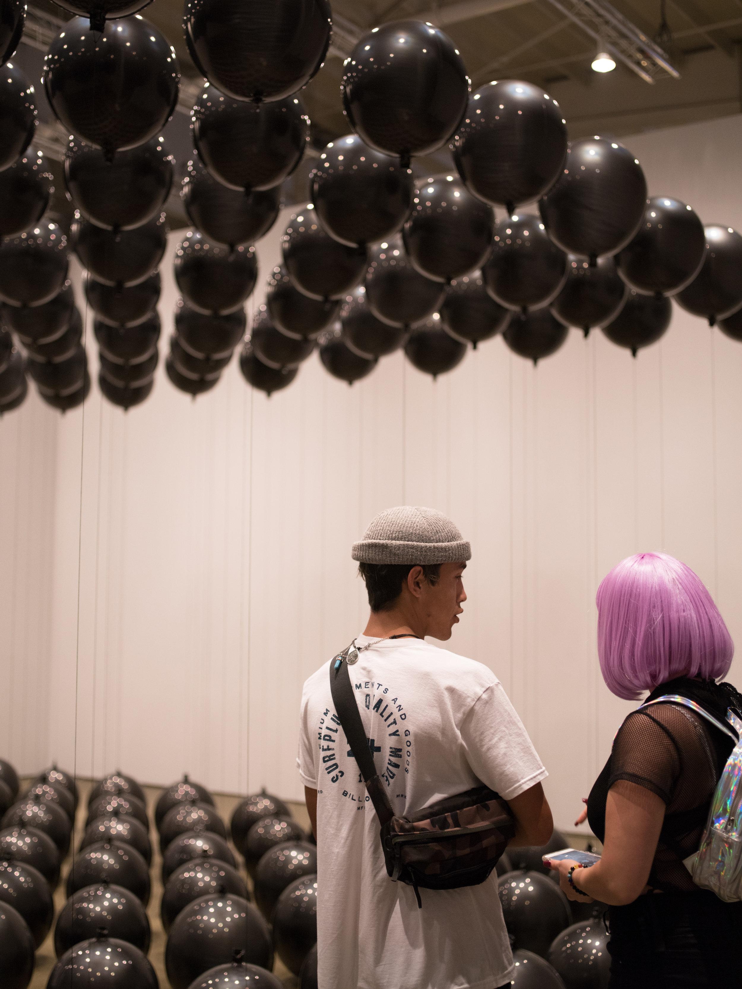 Anne_Vetter_Black_Balloons 4 (3).jpg