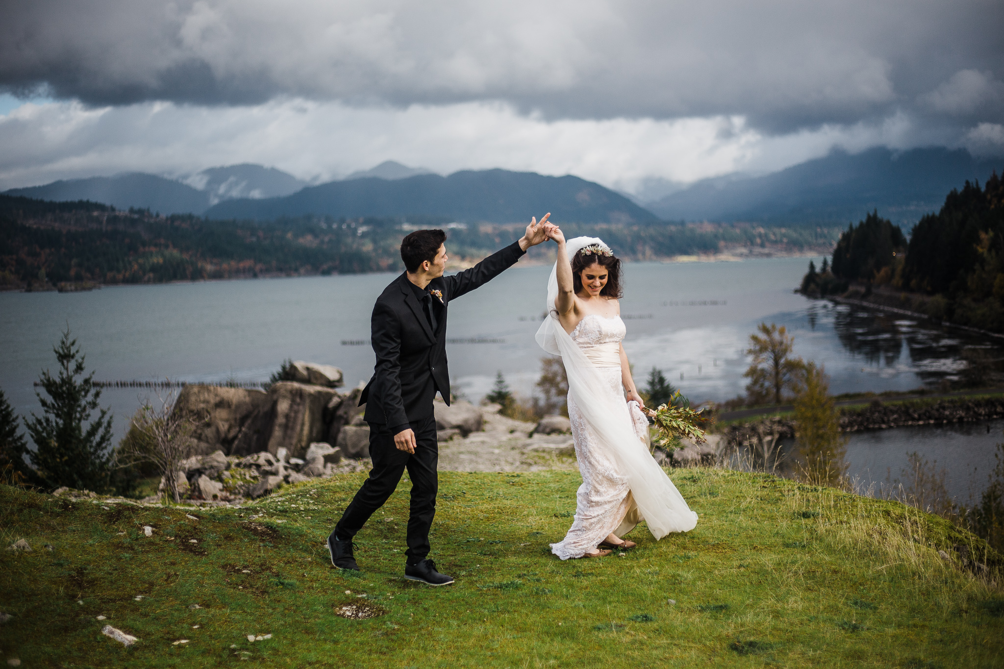 columbia-river-gorge-elopement.jpg