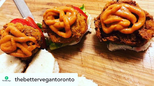 Join us on November 16 for Vegan Deep Fried Chik'n sandwiches from @thebettervegantoronto - More delicious pop-ups coming to @bellwoodscoffeegelato this autumn 🤗🤤#vegan #popup #duwest #dundaswest #trinitybellwoods #trinitybellwoodspark #mmmm #nomnomnom