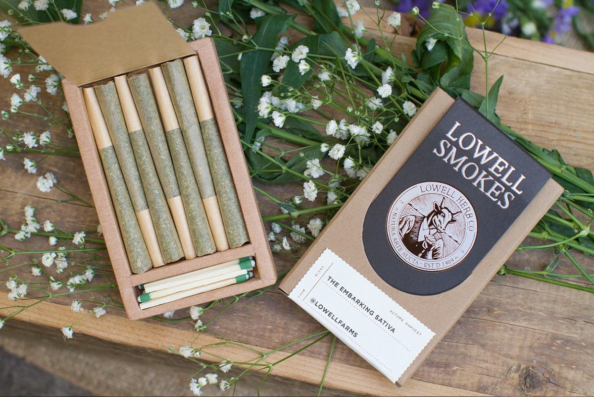 lowell-smokes-3.jpg