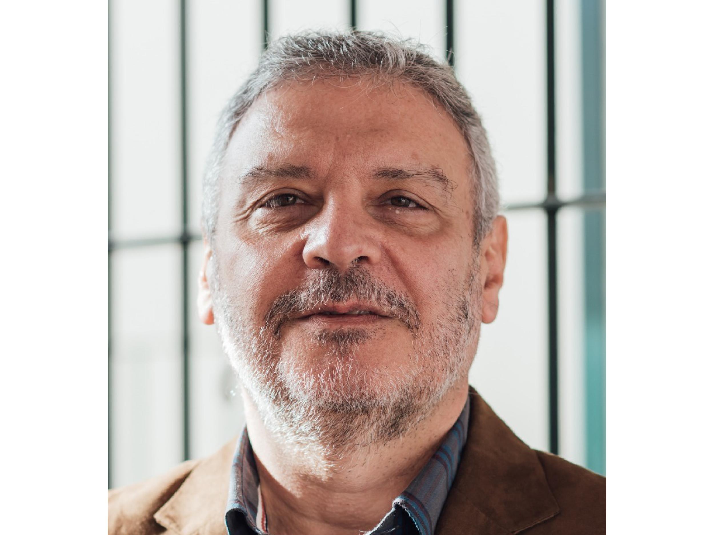 Roberto Avilia - Coach Organizacional y Comunicacional. Entrenador de Oradores y de equipos de alto rendimiento