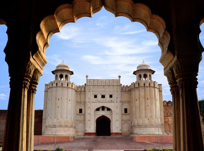 Photo 76 - Lahore Mosque.jpg