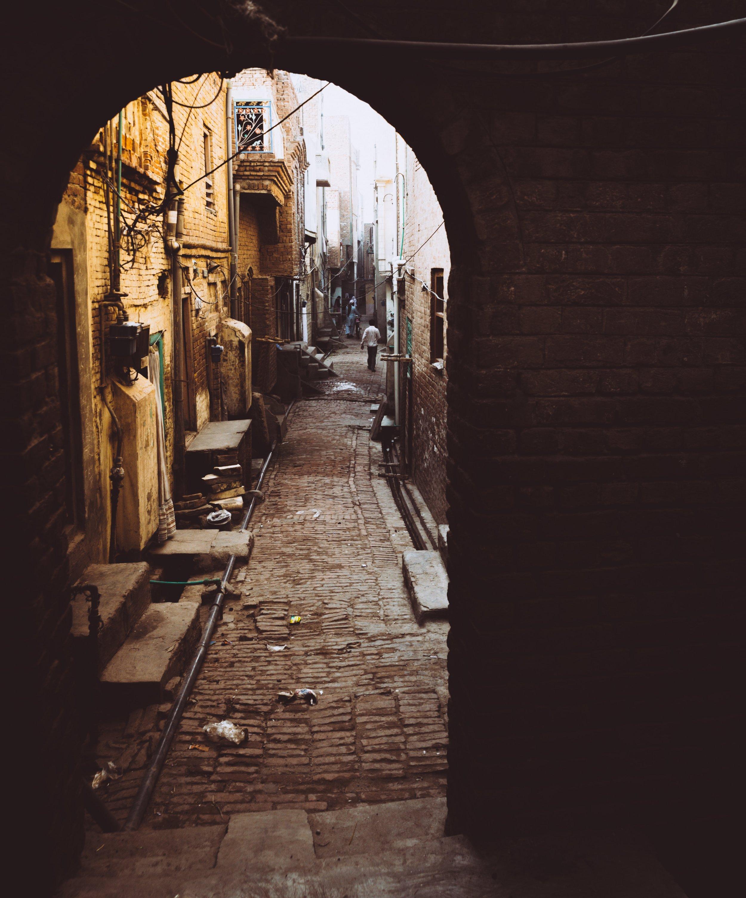 Photo 115 - Lahore Alleyways.jpg