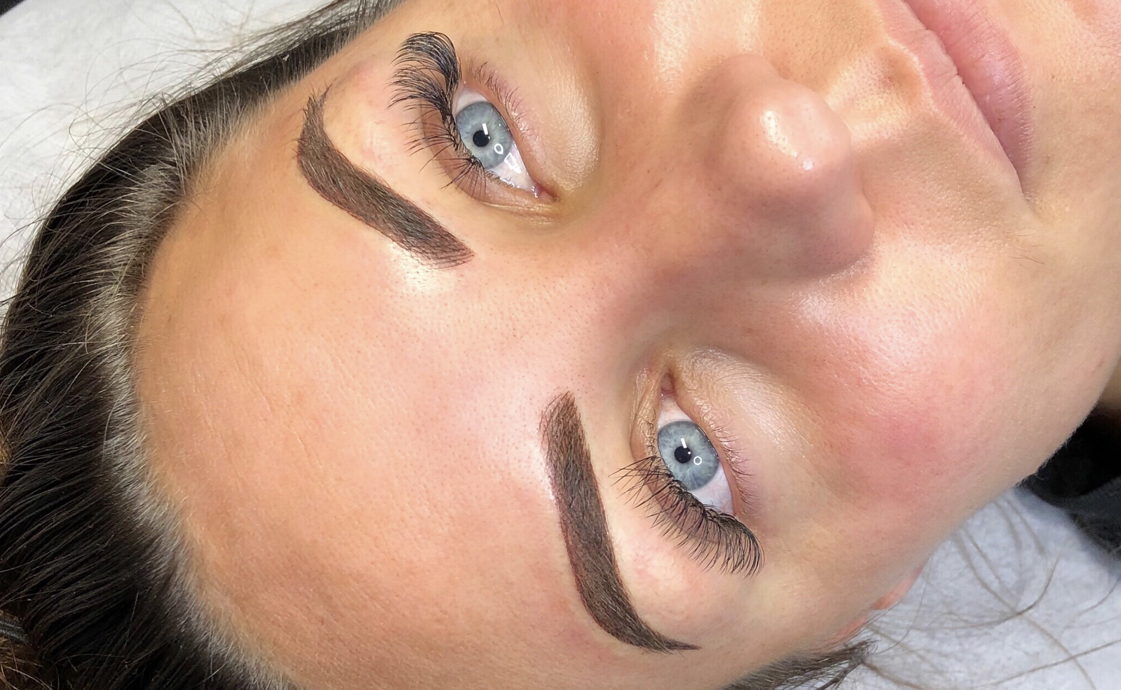 Ombre Brow Tattooing - Also known as machine brows, mist brows or shading, this technique is ideal for those skins not suitable for feathering eg oily/open pores or fine/sensitive skins. It is also recommended when covering old microblading or fantastic for those that wear a full face of makeup and draw their brows on each day. In your consultation we will discuss if you would need machine shading as a part of your brow tattooing service.$790 with Victoria
