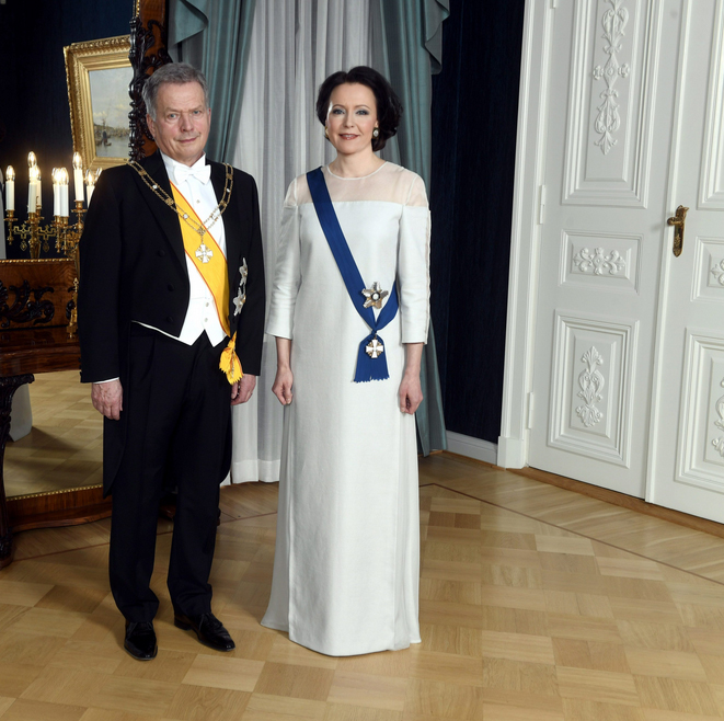 Recent technological innovations such as Ioncell provide bio-based alternatives to the polluting synthetic fibres common in many textiles. This Independence Day gala dress worn by Finland's first lady, Mrs. Jenni Haukio in December 2018, is made from birch trees. A production line for this plant-based material is expected by 2020, and could revolutionise the textile industry away from the millions of tons of synthetic fibres currently used each year for apparel. Image source: Vesa Moilanen / Lehtikuva / Ioncell.