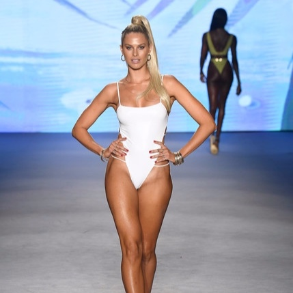 Monica+Hansen+Beachwear+Runway+Show+2020+Collection+GGFo9wD2tbzl.jpg